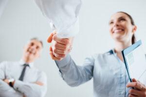 Independent Insurance Agent in Alpharetta, GA shaking hands